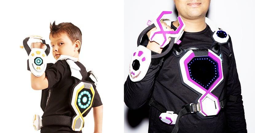 【穿戴式】只需要穿上SuperSuit,立即可以發射子彈、開始與敵人戰鬥了